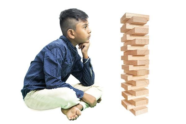 Boy-build-a-Tower